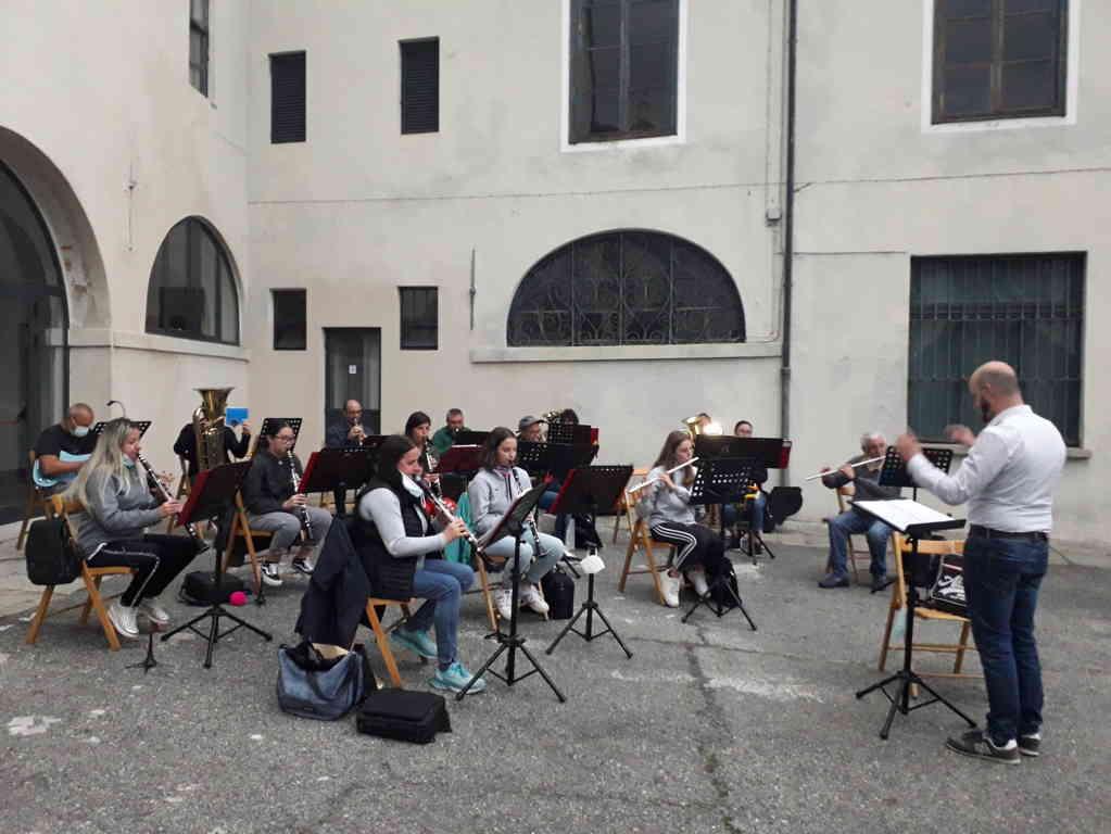 cuorgne torna a suonare l accademia filarmonica dei concordi di cuorgne 1 res